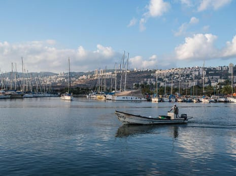 ענף במאבק קיומי. ספינות דיג בנמל הקישון צילום: דורון גולן, ג'יני