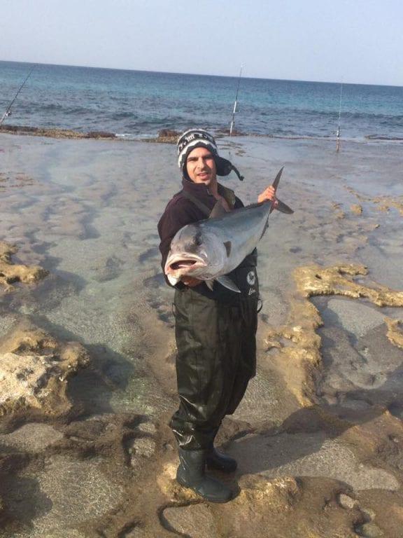 דיג אינטיאס מהחוף