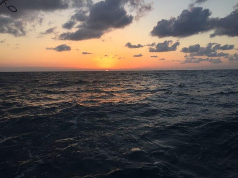 עידו קלו מפנק אותנו בצילום מהים בשעה 18:00, חמישי (דרום הארץ)
