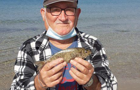 """בנימין קרויטורו: """"אתמול יצאתי לדוג במיכמורת ליד בית ינאי"""""""