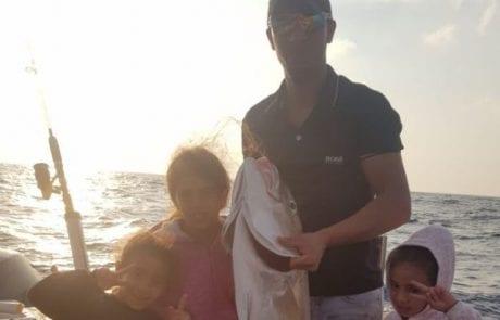 """עבד אבו גאנם: """"הילדים רצו דג גדול ואבא לא אכזב והתוצאה 20 ק""""ג של שריר"""""""