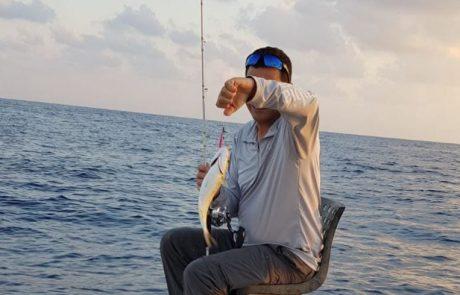 """מור אמסלם: """"תפיסה מעניינת לא בגלל הדג אלא בגלל הדרך שבה רואים את התקיפה שלו בפיש פינדר"""" – שוחרר"""