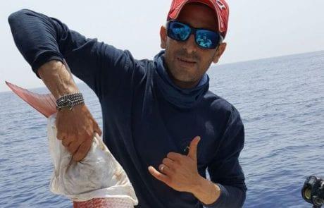 אבי כלו וצוות קפטן ג'ק בעוד יציאת דיג בוטיק מהסירה
