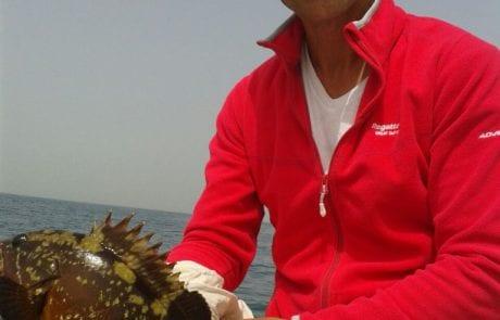 יוני אדום אדום – דייג ספורטיבי אמיתי משחרר לוקוס מתחת לגיל רבייה