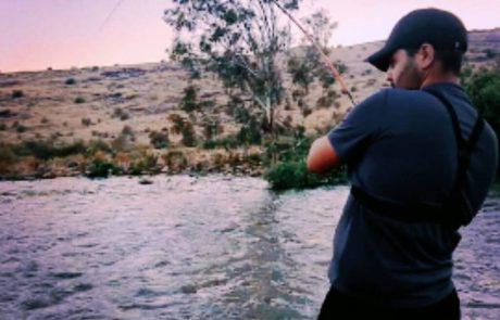 """נפתלי דייג במים מתוקים: """"הסלע זז וכשהוא מבין שיש מפלצת עצומה נעולה שמתחילה לרוץ"""""""