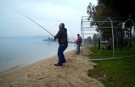 """עמית משני דייגים: """"יום דייג פתיונות בכנרת, יום גשום וחברים טובים, היו כמה בריחות וכמה תפיסות נחמדות תהנו"""""""