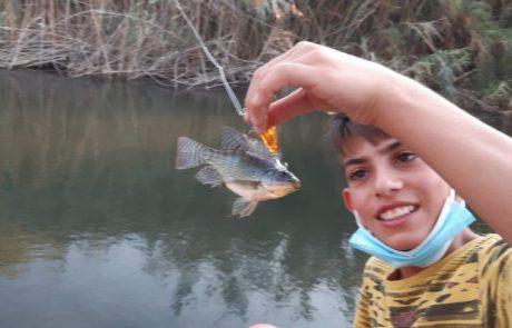 """יהלי לוי: """"לאחר מס דקות, זריקה שנייה, שלישית ורביעית, נתפסו מושטים שונים ומגוונים ודגים נוספים"""""""