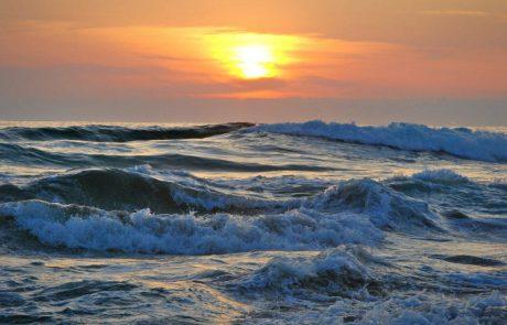 """יובל: """"האם זה אפשרי לצאת לדיג חופי (פתיונות וזירזור) שהגלים מטר עד מטר וחצי או שזה יותר מידי?"""""""