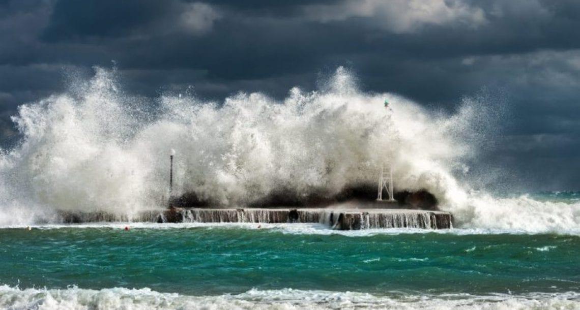 """רוח גלים ורטוב – תחזית סופ""""ש"""